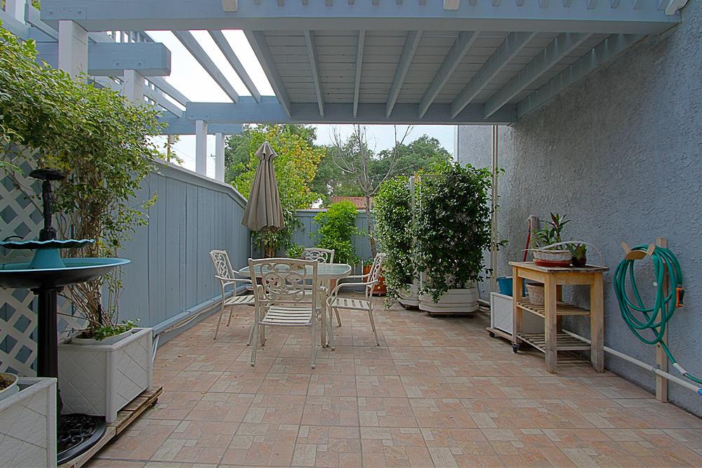 mountain-117-patio-1sm