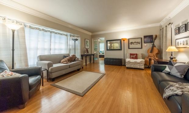 6 - Living Room 2