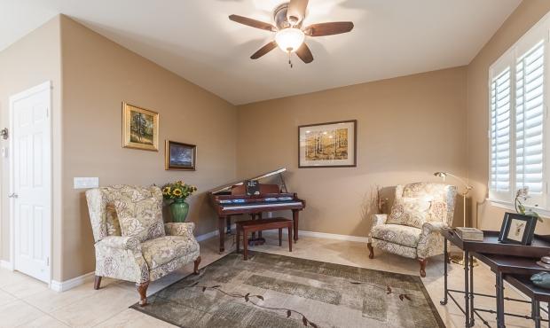 9-Sitting room