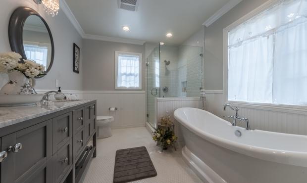16 - Bath 2 of 4