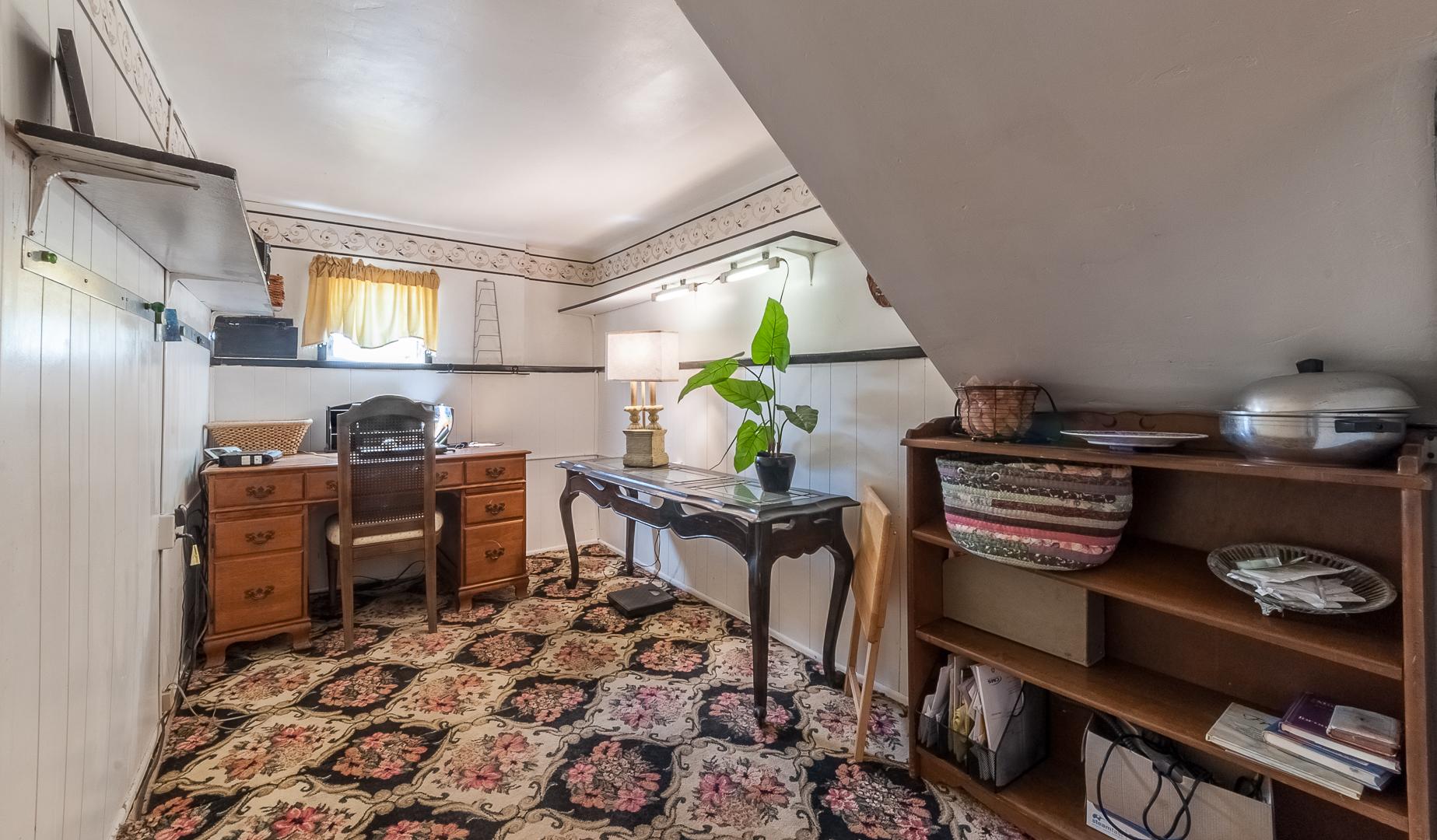 11 - small study room
