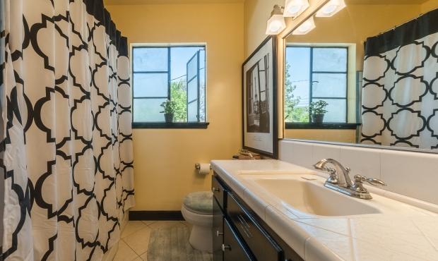 12 - bathroom
