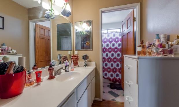 6-Bathroom 2
