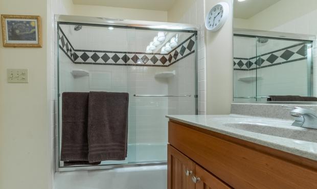 11 - Bathroom 1