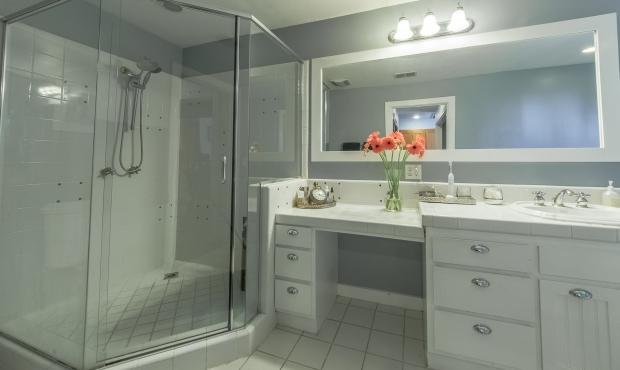 13 bathand shower