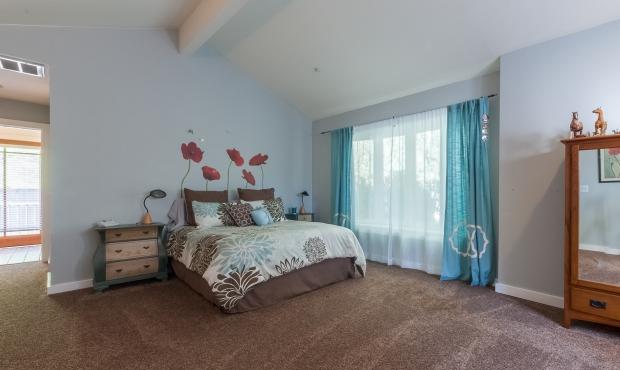 14 spacious bedroom