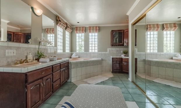 10 - Master Bath Best