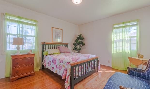 14 - Bedroom