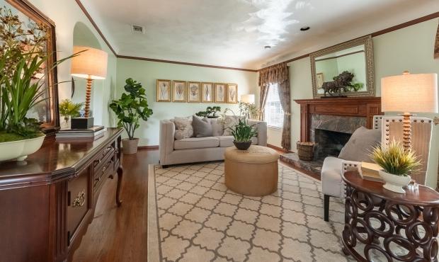 3 - Living Room spacious