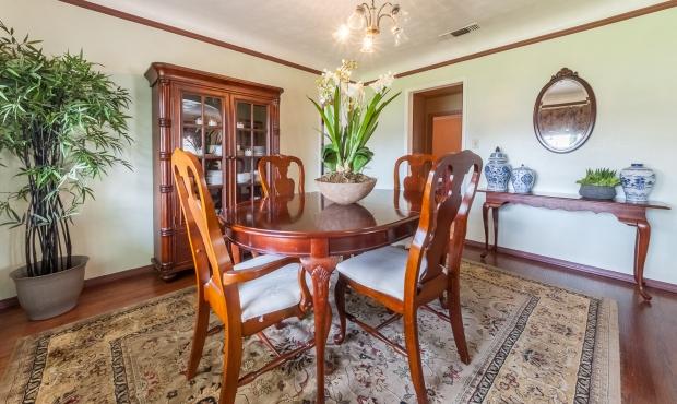 5 - Dining Room