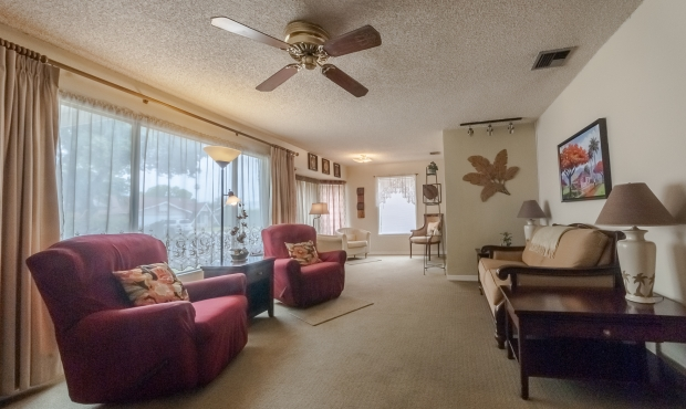 4- Living Room