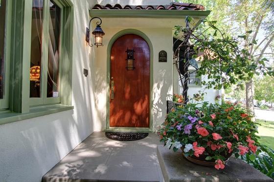 hillcrest-619-door-2sm