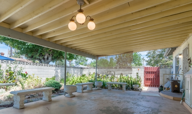 15 - Covered patio