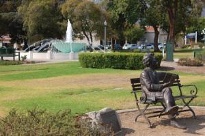 Fountain and Mark Twain