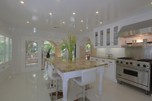 Kitchen that sparkles